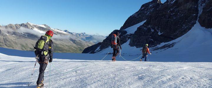 Guide de haute montagne : tout savoir de ce métier et sur les formations pour y accéder